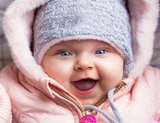 bebê aquecido no frio