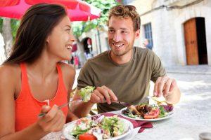 Dieta da Fertilidade: casal almocando