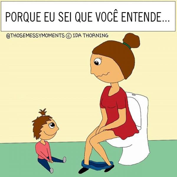 Mamães no banheiro com filho