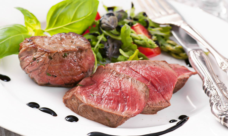 carnes cruas e mal passadas estão proibidas na gestação
