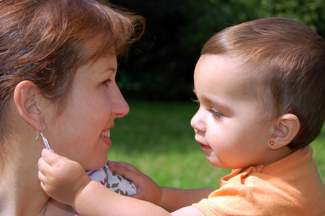 furar orelha bebe