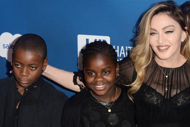 Famosos que adotaram: Madonna
