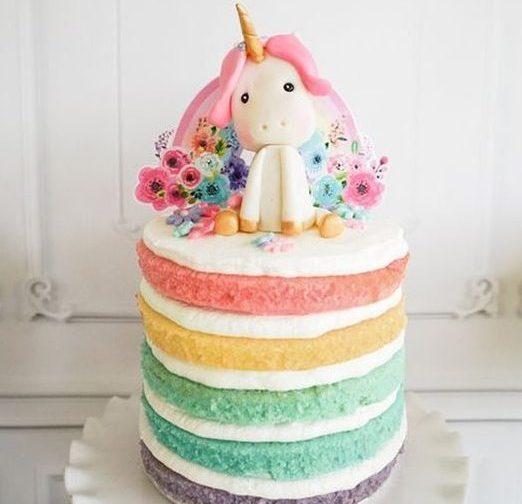 Festa de 1 ano com unicórnios: bolos