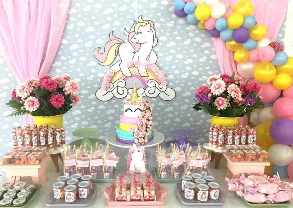 Inspirações para festa de 1 ano com unicórnios -> Decoracao De Unicornio Infantil