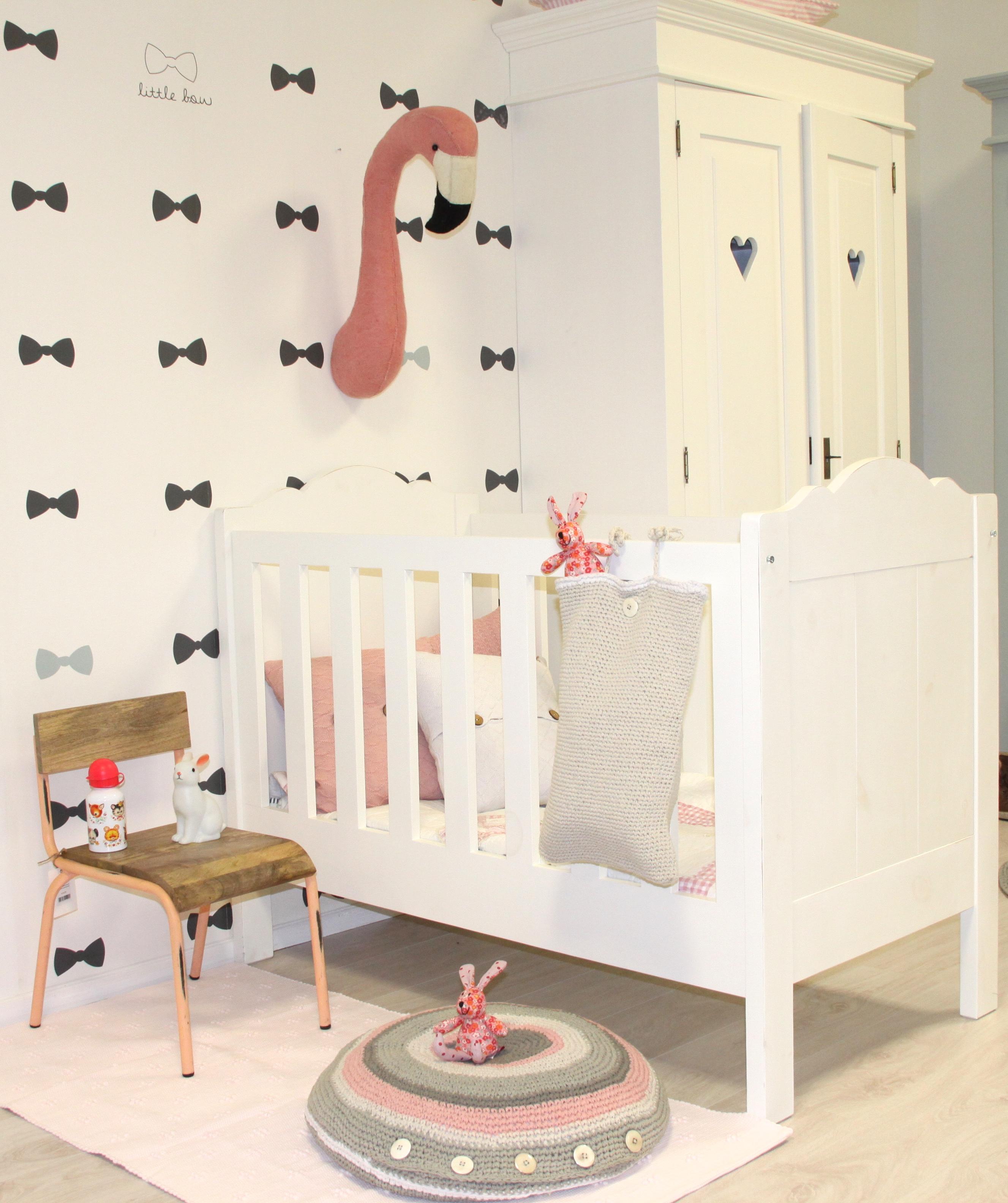 Estamos falando da falsa taxidermia, que está super na moda e invadiu a decoração do quarto de bebê.