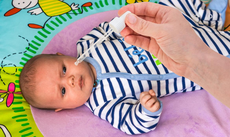 lavar nariz do bebê