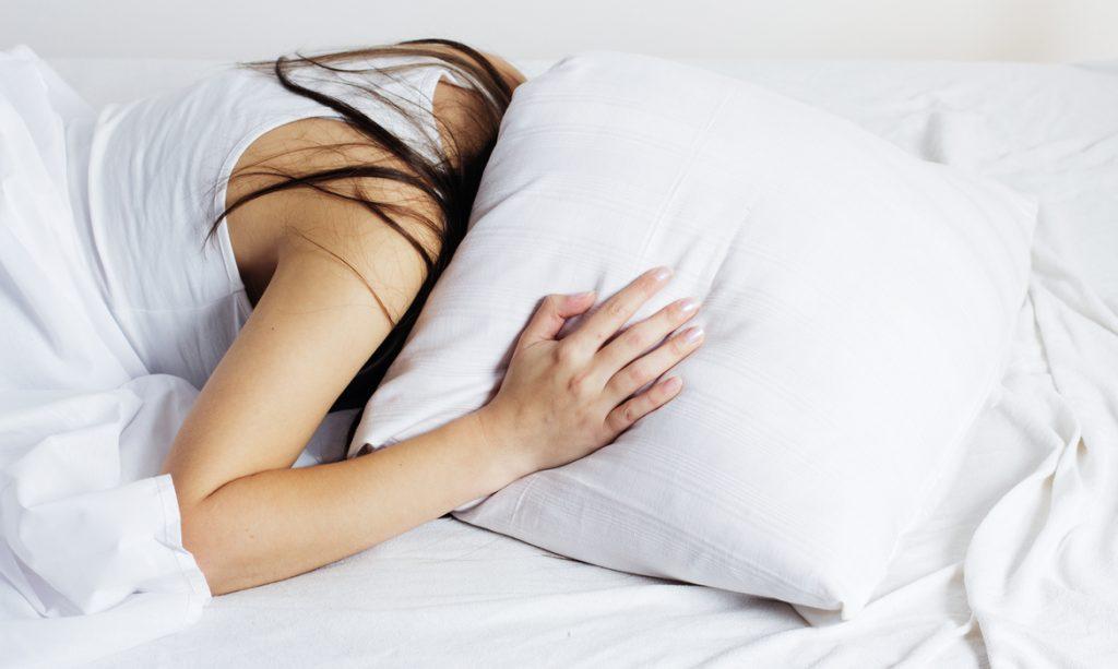 melhor posição para grávida dormir