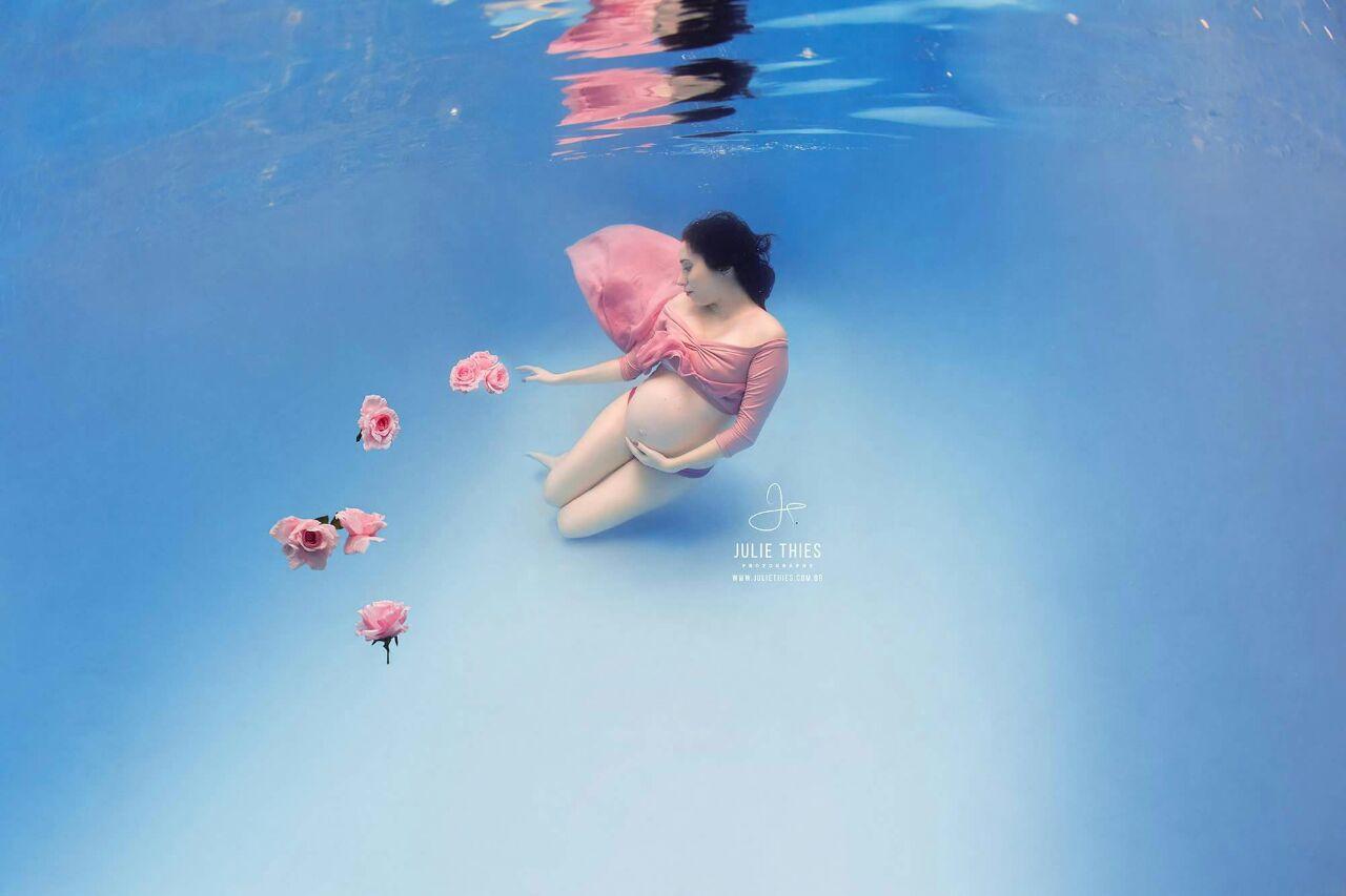 ensaio gestante embaixo d'água