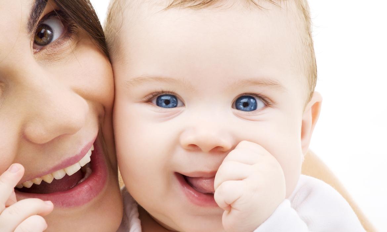 cor dos olhos do bebê