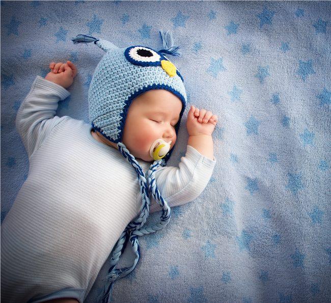 bebê que troca o dia pela noite