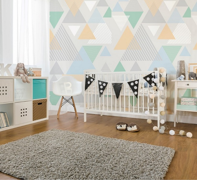 quarto de bebê com estampa geométrica