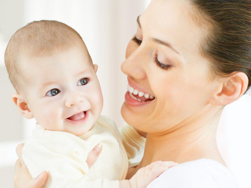 prevenir engasgos no bebê