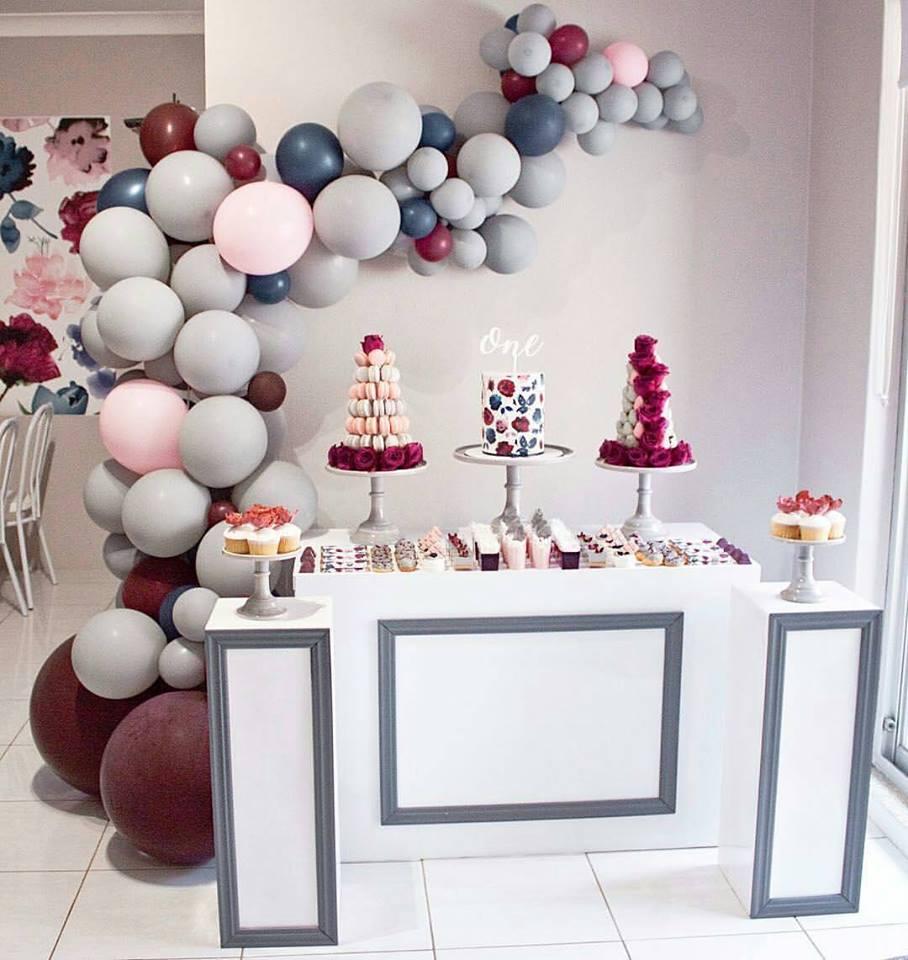 arco de balões desconstruído