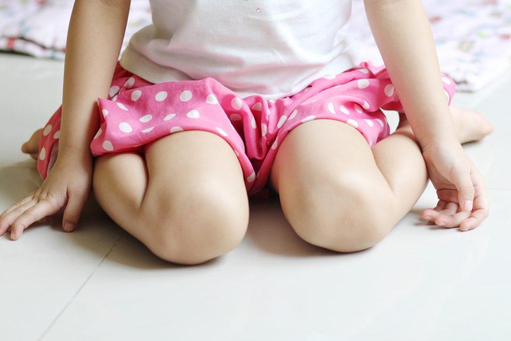 criança sentar