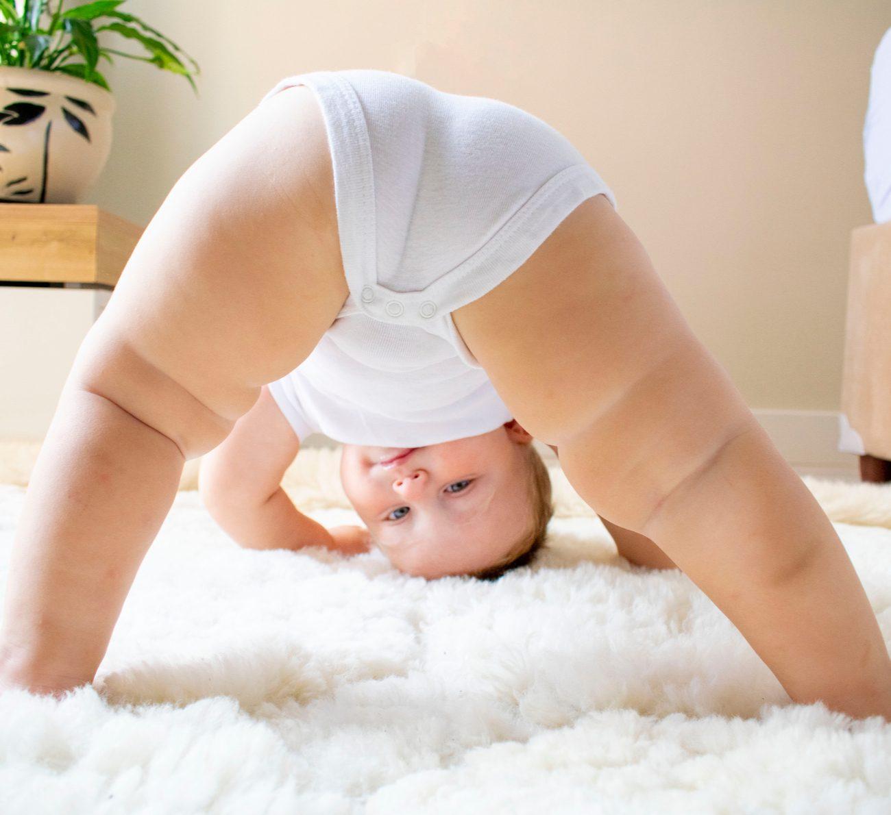coisas estranhas que os bebês fazem